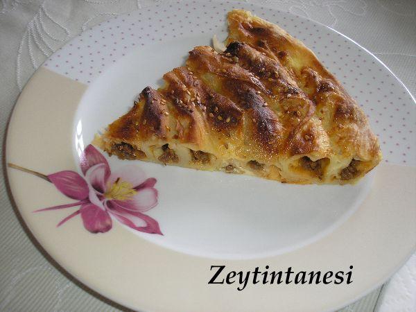 zeytintanesi_kiymali_rulo_borek.jpg